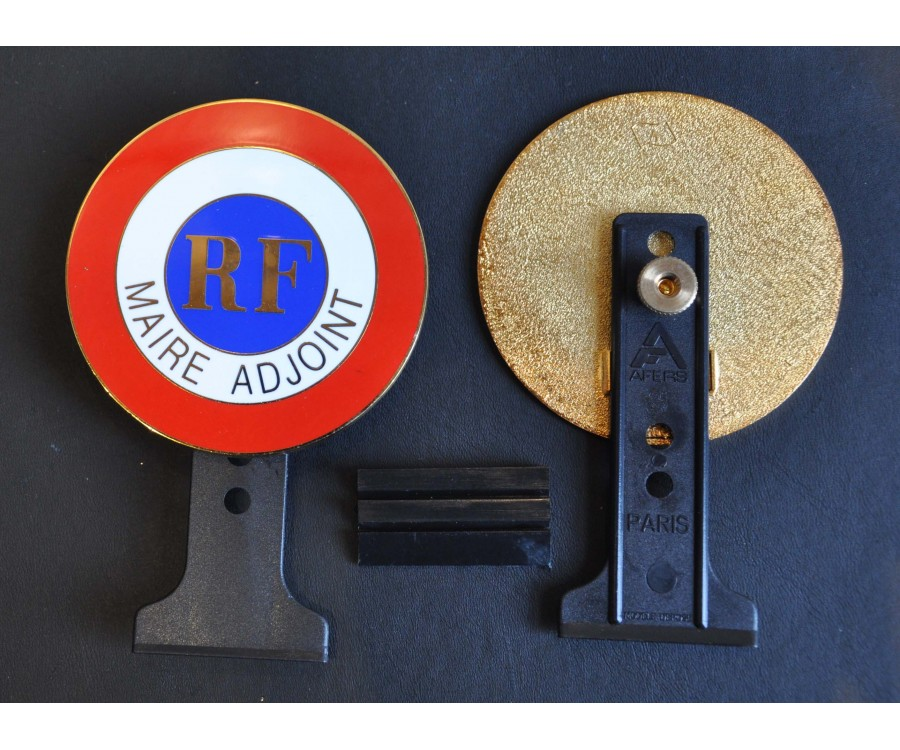 PLAQUE AUTO EMAILLEE MAIRE ADJOINT